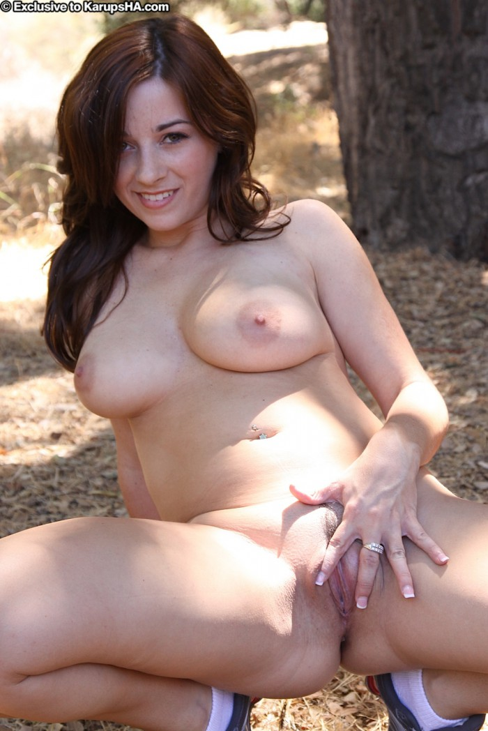 Taylor Vixen Shaved Pussy